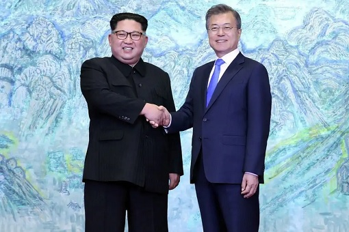 North Korean Kim Jong-un Meets South Korean President Moon Jae-in - Shake Hands 2