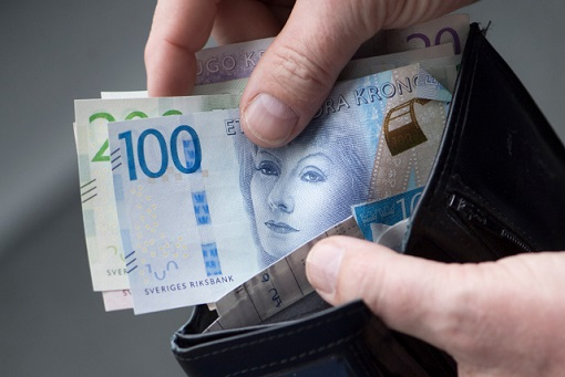 Sweden Cashless Country - Kronor Notes in Wallet