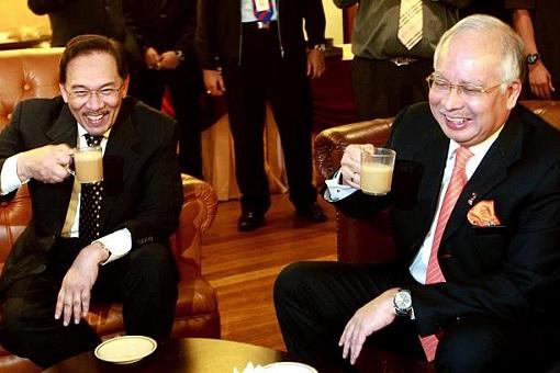 Anwar Ibrahim and Najib Razak - Teh Tarik