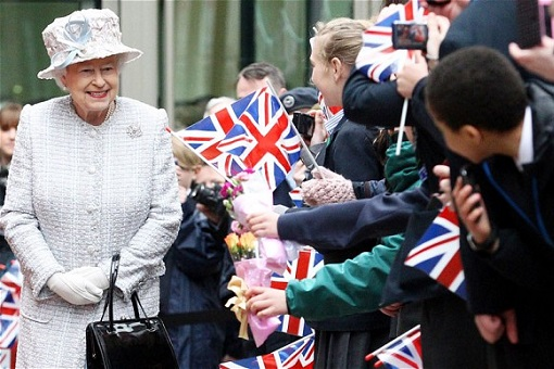 British Queen Elizabeth - Tourism