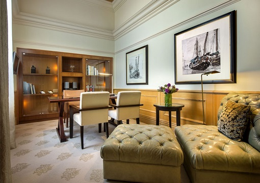 Singapore The Fullerton Hotel - Presidential Suite - Study Room