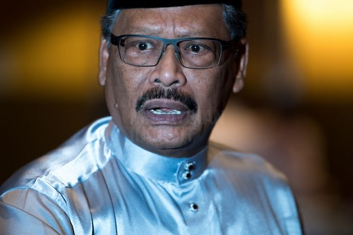 Now You See It, Now You Don't - The Hidden Message Behind Apandi's Flip-Flops As UMNO Supreme Council Member