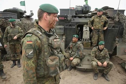 German Troops - Panzergrenadierbataillon 371