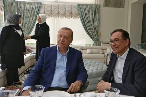 Turkish President Recep Erdogan Visits Malaysian Anwar Ibrahim