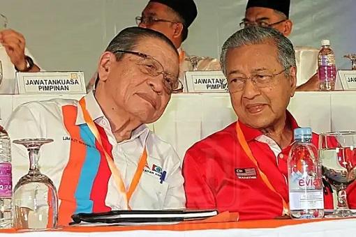 DAP Supremo Lim Kit Siang and PPBM Mahathir Mohamad