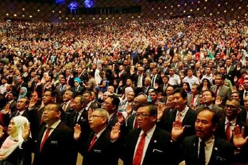 Malaysia - Bloated Civil Service