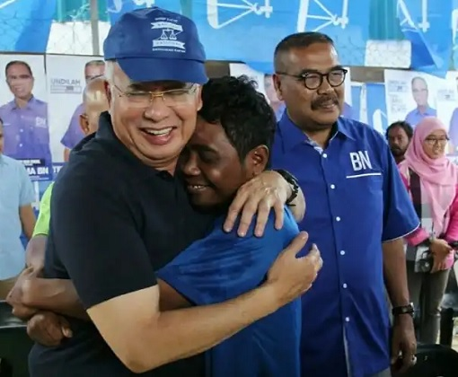 Cameron Highlands By-Election - Najib Hugged By Orang Asli