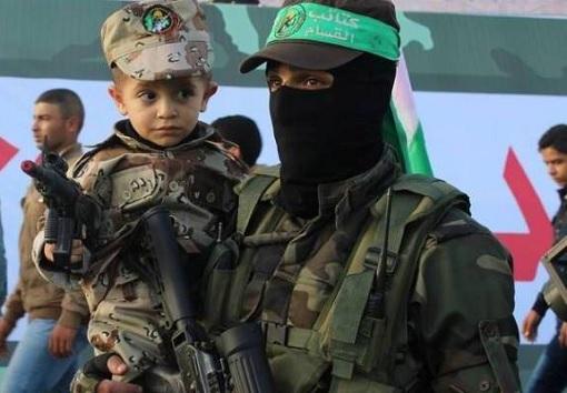 Palestinian Hamas Using Child As Shield