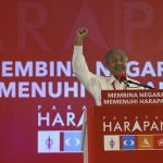 Nobody Dares Plotting Against Mahathir - Only PAS Plotting How To Best Suck Up To Him