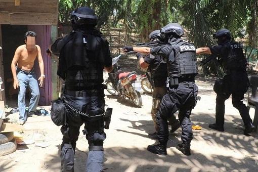 Malaysia Anti-Terror Operation - Egyptians and Tunisians Terrorists 2