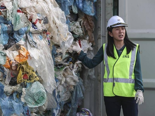 Container of Garbage Waste - Malaysia Energy, Science, Technology, Environment and Climate Change Minister Yeo Bee Yin