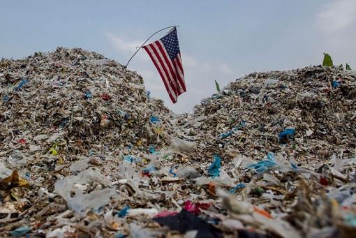 US America - Unwanted Garbage Trash Waste