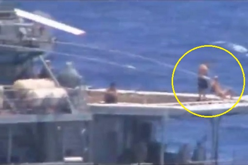 A Russian Destroyer And A US Warship Almost Collided - But The Russian Sailors Just Chilling & Sunbathing