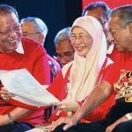 UMNO To Split Further - Mahathir's Last Offer To UMNO-Malay To Join Him Before Moving For The Kill