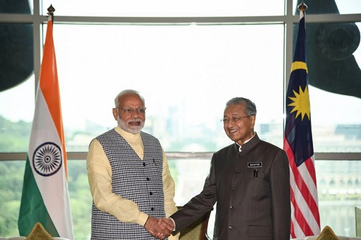 Malaysia Prime Minister Mahathir Mohamad with India Prime Minister Narendra Modi