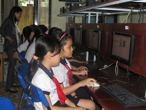 Vietnamese Students Learning Computer Programming