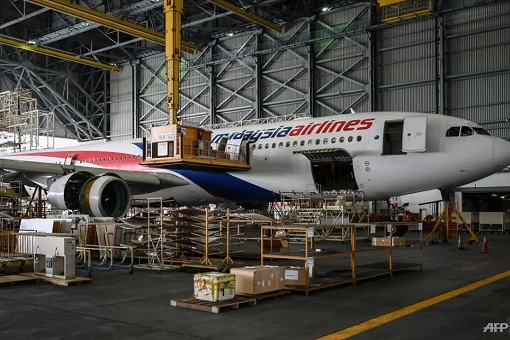 Malaysia Airlines - Plane Maintenance