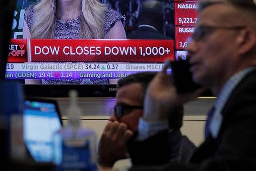 Dow Jones Closes Down 1000 Points