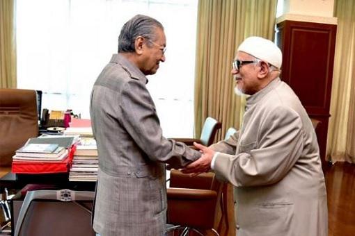 Hadi Awang Meets Mahathir Mohamad