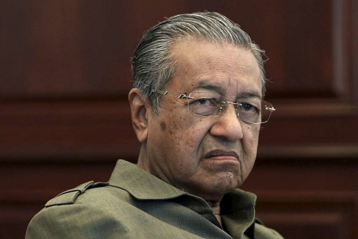 The Triangle Power Struggle - Mahathir Trapped Himself By Announcing His Refusal To Work With UMNO