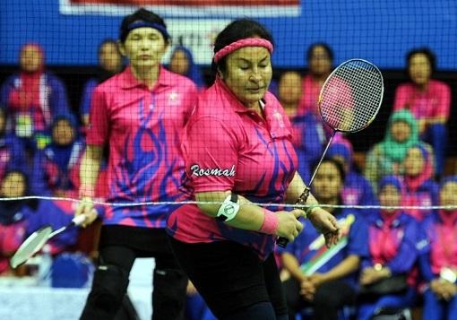 Rosmah Mansor Plays Badminton