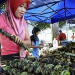 Minister Annuar Musa Should Stop Trying To Cheat Poor Ramadan Bazaar Traders' Deposit Money