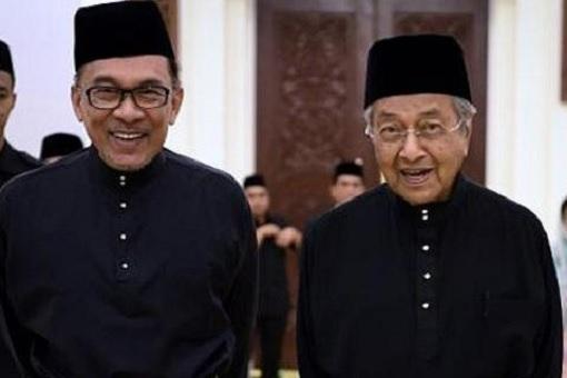 Tag-Team Combo - Anwar Ibrahim and Mahathir Mohamad
