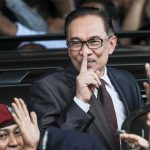 Anwar To Meet King - Here's Why Backdoor PM Muhyiddin & His Gay Blue-Eyed Boy Azmin Are Game Over