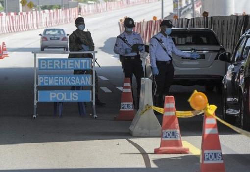 Coronavirus - CMCO Lockdown Police Roadblock