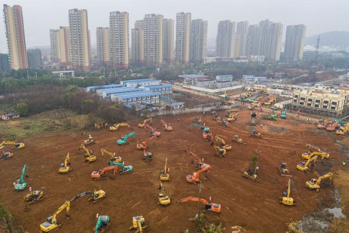 Coronavirus - China Excavators Bulldozers - Build Hospital