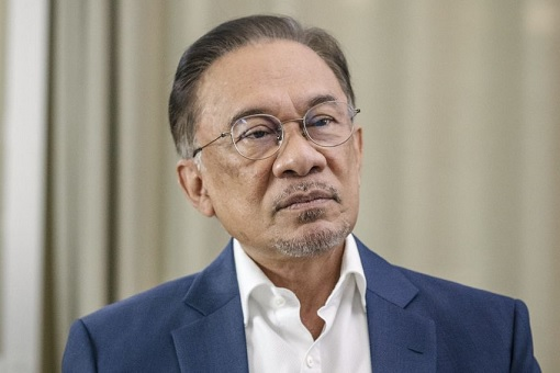 Anwar Ibrahim - Confused and Indecisive
