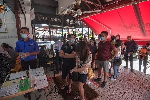 Coronavirus - Social Distancing at Restaurant