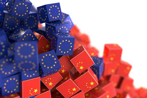 European Union vs China - Cubes of Flags