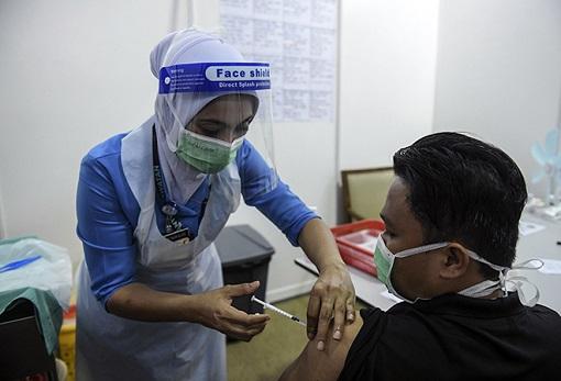 Coronavirus - Malaysia Covid-19 Vaccination