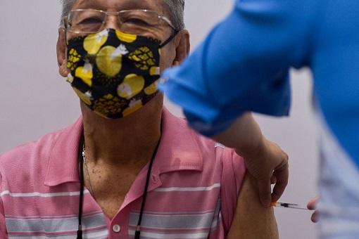 Coronavirus - Malaysia Elderly Getting Covid-19 Vaccine
