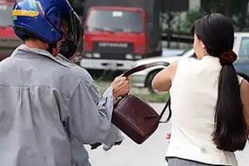 Malaysia Crime Rate Skyrockets - Snatch Theft