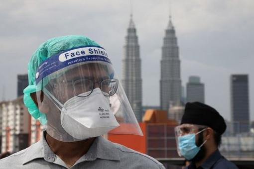 Coronavirus - Malaysia Covid-19 Record Cases and Deaths - KLCC