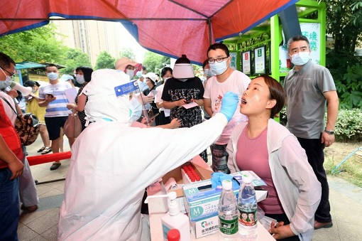 Coronavirus - Wuhan Residents Taking Covid-19 Test After New Outbreak - August 2021