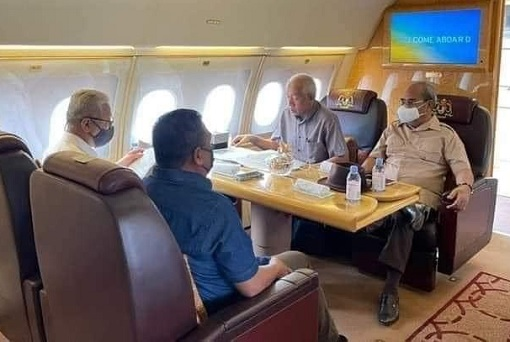 Flight To Kedah - PM Ismail Sabri and UMNO MPs and Friends - 1