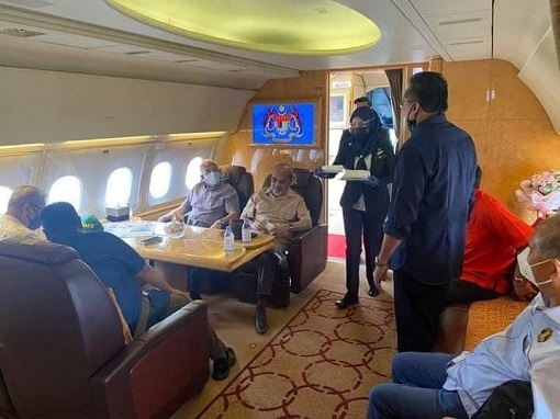 Flight To Kedah - PM Ismail Sabri and UMNO MPs and Friends - 4