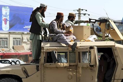 Talibans Seized US Humvees