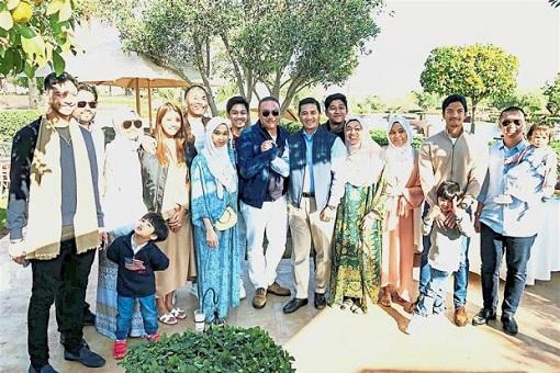 Azmin Ali and Hishammuddin Hussein Families - Holiday in Morocco