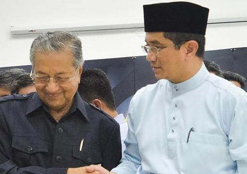 Mahathir Mohamad and Azmin Ali