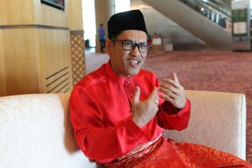 Perak Menteri Besar Chief Minister Ahmad Faizal Azumu - Bersatu PPBM