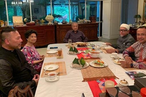 Mahathir Mohamad Private Meeting With Hadi Awang